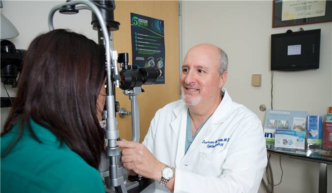lawrence hopp md eye doctor